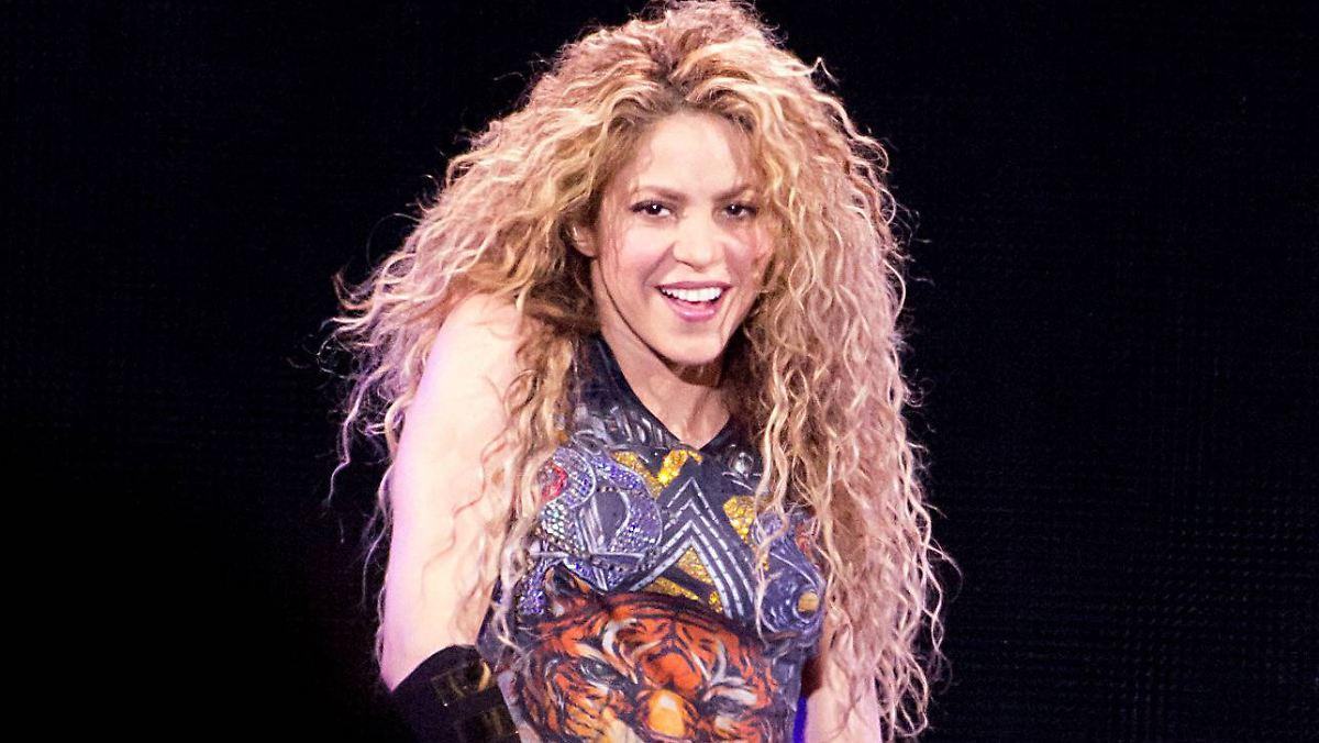 Empörung über Nazi-Symbolik: Shakira-Kette wird vom Markt genommen