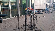 Spannung im Konrad-Adenauer-Haus: Seehofer und Merkel verhandeln über alles