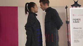 Die Kleidung von Morgen: Blinkender Mantel hilft beim Flirten
