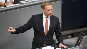 """Schlagabtausch zur Asyl-Debatte: """"Im Kanzleramt biegen die sich vor Lachen"""""""