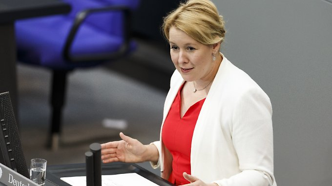Familienministerin Franziska Giffey hält es für wichtig, Gespräche mit Betroffenen zu führen.