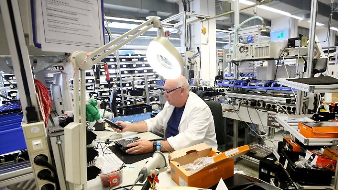 Auch Reparaturen werden im Gigasetwerk in Bocholt durchgeführt.