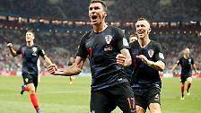 In der 109. Minute trifft dann Mandzukic das Tor. Kroatien führt 2:1!