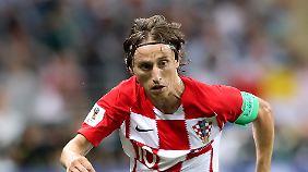 Luka Modric hat einen Vertrag bei Real Madrid. Darf er bald gehen oder muss er bleiben?