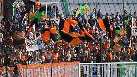 Die russische Liga boomt dank der WM. Volle Hütte in allen Stadien - selbst beim FK Ural.