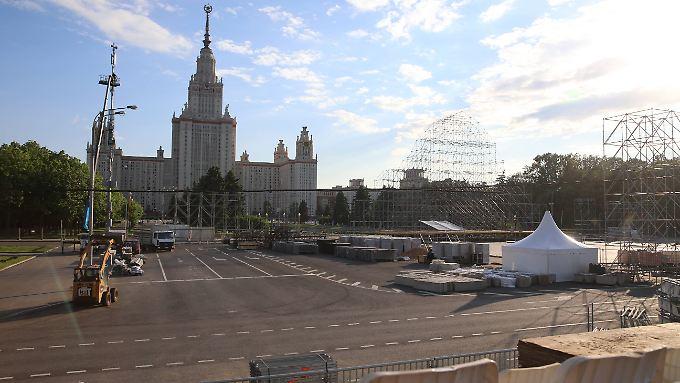 Die Fanmeile in Moskau wird wieder abgebaut. Der Alltag hält Einzug in russischen Wohnzimmer - oder doch nicht?