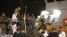 Tagelange Blockade beendet: Bootsflüchtlinge dürfen in Italien an Land
