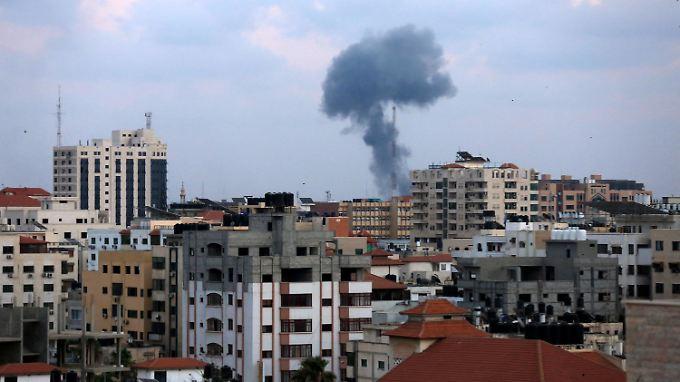 Explosionspilze sind über Gaza momentan alles andere als eine Seltenheit.