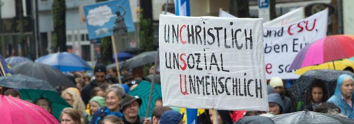 """""""Ausgehetzt""""-Demo in München: Zehntausende gehen gegen die CSU auf die Straße"""