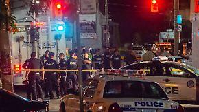 Zwei Tote, mehrere Verletzte: Mann schießt auf belebter Straße in Toronto um sich