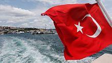 US-Zinsen und Wirtschaftskrieg: Türkische Lira zieht andere Währungen mit