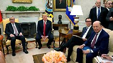 US-Finanzminister Steven Mnuchin (3.v.l.) war bei dem US-EU-Krisentreffen mit von der Partie.