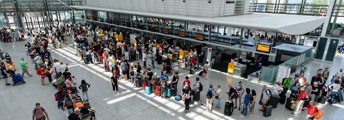 Unkontrollierte Reisende: Terminal in München vorübergehend gesperrt