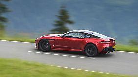 Mit 725 PS stößt der DBS Superleggera in selbst für Aston Martin neue Dimensionen vor.