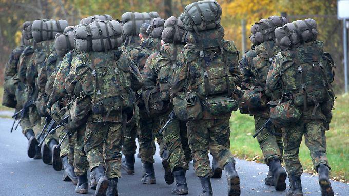 Die Bundeswehr steht derzeit bei der Gewinnung junger Leute in Konkurrenz mit Wirtschaftsunternehmen.