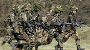Pro und Contra: Was spricht für, was gegen eine Wehrpflicht?