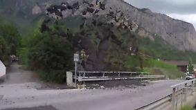 Kaum zu glauben, aber wahr: Schlammlawine überrollt Schweizer Bergdorf