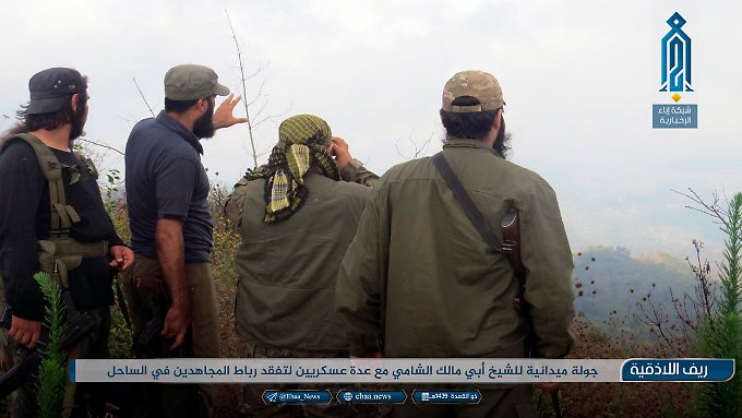 Kämpfer der Dschihadistenallianz Hajat Tahrir al-Scham.