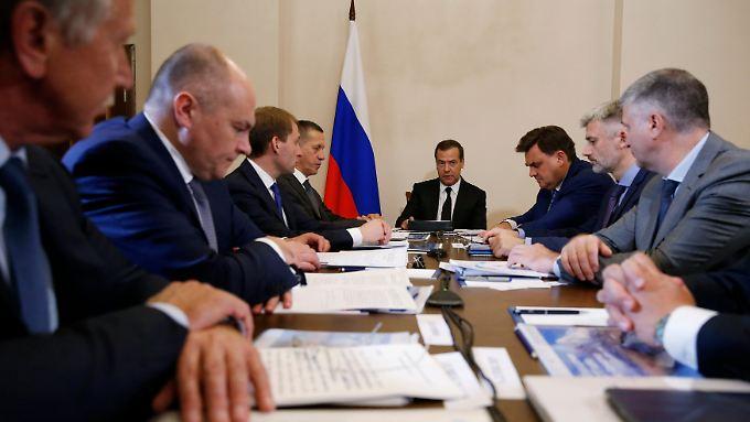 Arbeitstreffen an der russischen Pazifikküste: Russlands Ministerpräsident Medwedew hält sich während seiner Sommerreise in Kamtschatka auf.