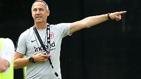 """Der Frankfurt-Coach heißt seit dieser Saison Adolf Hütter - und ist mit seinem Vornamen nicht """"100 Prozent glücklich""""."""