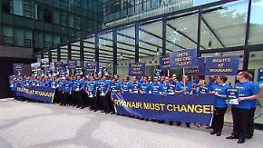 Betroffene Kunden zeigen Verständnis: Ryanair-Streik deutet Ende des Billig-Fliegens an