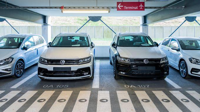 Volkswagen nutzt drei Parkhäuser und drei Freiflächen am BER.