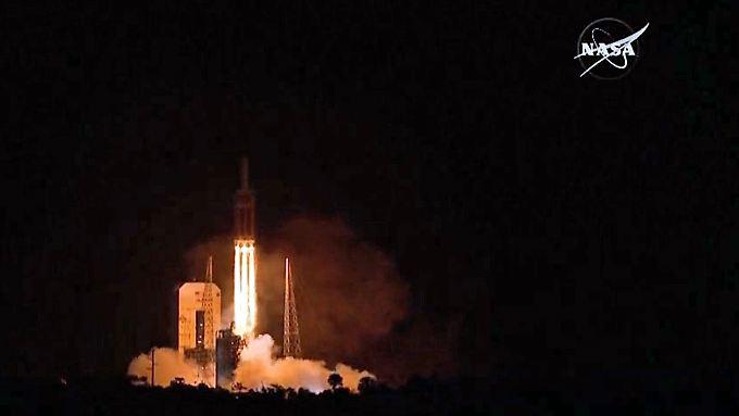 So nah an die Hitze wie nie zuvor: Mächtige Rakete katapultiert Sonde Richtung Sonne