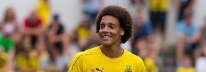 AXEL WITSEL: Der Mann mit dem auffälligen Afrolook ist der Königstransfer von Borussia Dortmund.