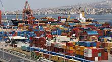 Währungskrise verunsichert: Türken schieben Anschaffungen auf