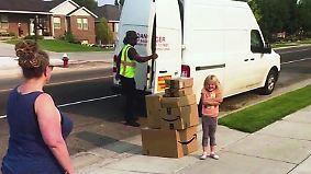 Kind im Kaufrausch: Sechsjährige bestellt heimlich kistenweise Spielzeug