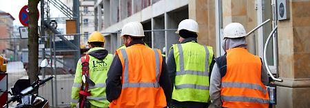 """Geduldete Asylbewerber in Arbeit: Wirtschaft hält nichts von """"Spurwechsel"""""""