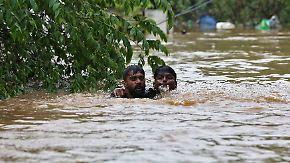 Heftige Regenfälle in Indien: Hunderte Menschen sterben durch Monsunfluten