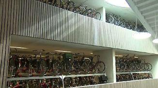 12.500 Abstellplätze gegen das Chaos: Weltgrößtes Fahrrad-Parkhaus erfreut Utrecht