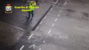 Bergungsarbeiten in Genua unterbrochen: Neu veröffentlichte Bilder zeigen Moment der Brückenkatastrophe