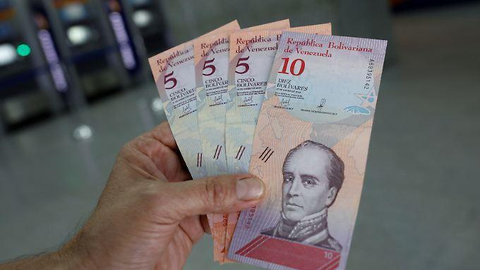 Das sind die neuen Bolivar-Scheine.