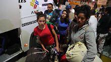 Nach Massenandrang: Peru lässt Venezolaner einreisen