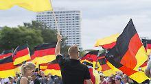 """""""Fruchtbarer Boden"""" für Rechte: Bremen fordert Überprüfung der AfD"""