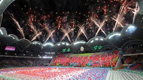 Wiederbelebtes Propagandaspektakel: Nordkorea feiert Staatsjubiläum mit skurrilem Massenevent