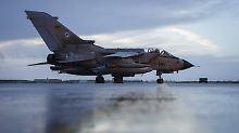 Bundesregierung prüft Einsatz: Parteien offen für Syrien-Intervention