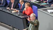 Debatte über Gewalt in Chemnitz: Gauland giftet, Merkel reagiert