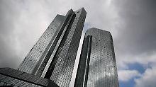 Als Holding könnte eine Fusion der Deutschen Bank mit einem anderen Geldinstitut leichter werden.