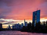 Ultraniedrige Zinsen bleiben: EZB setzt Anti-Krisen-Kurs vorsichtig fort