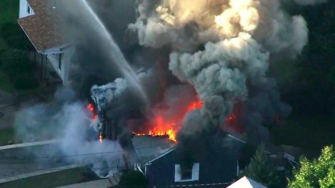 Unter anderem brannten Häuser in der 76.000-Einwohner-Stadt Lawrence nieder.