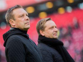André Breitenreiter und Horst Heldt (v.l.) können mit der Europa League 2 nichts anfangen?