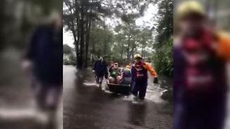 """Retter trotzen Regenmassen: """"Florence"""" fordert erste Todesopfer"""