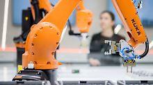 Neue Jobs entstehen: Roboter arbeiten bald mehr als Menschen