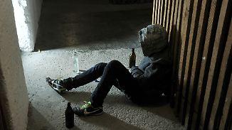 Schweigen und trinken: Loyal ins Verderben