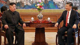 Kim Jong Un beim Treffen mit Chinas Präsident Xi Jinping: Nordkorea und China haben traditionell einen mehr oder weniger guten Draht zueinander.