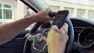 500 Tote jährlich durch Ablenkung: Polizei startet Großaktion gegen Handys am Steuer
