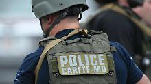 Offenbar Frau unter Tatverdacht: Mehrere Tote bei Schießerei in US-Firma